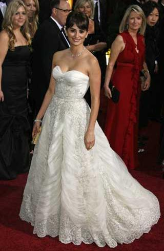penelope cruz dress. First up is Penelope Cruz in