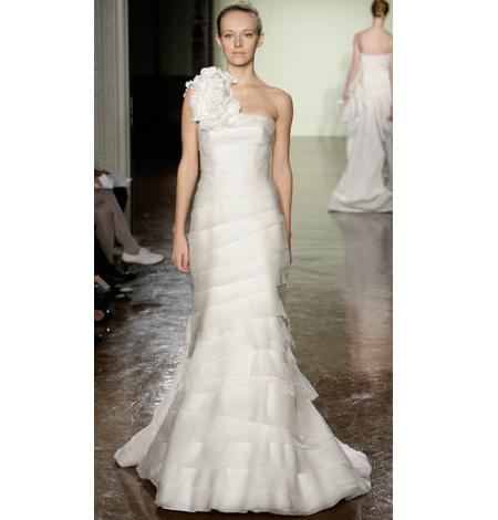 Where would we be without Vera Wang the undoubted Queen of wedding dresses